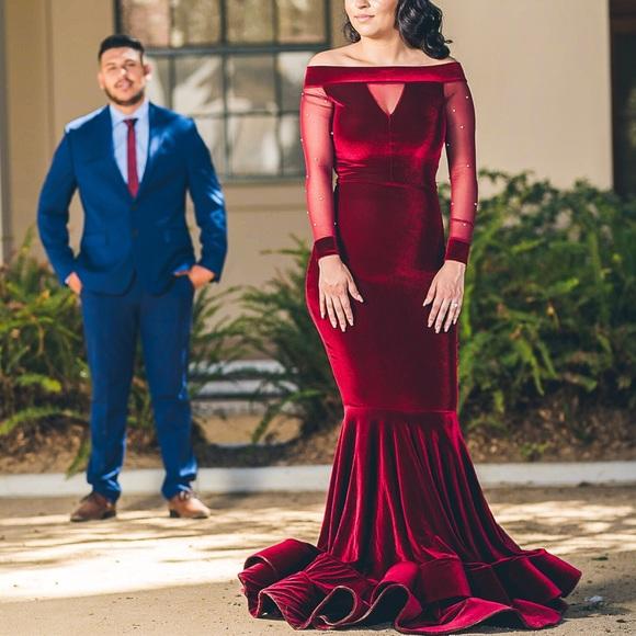 Dresses & Skirts - Velvet burgundy dress!
